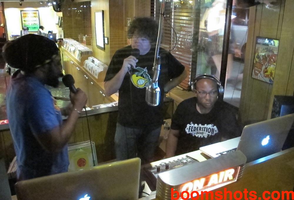 Yami Bolo Pon Radio Lily